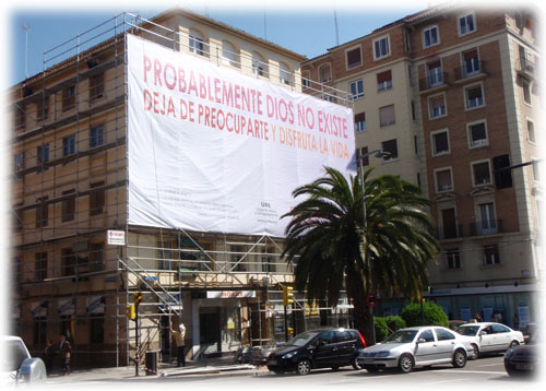 "Pancarta \""Bus Ateo\"" en Zaragoza"